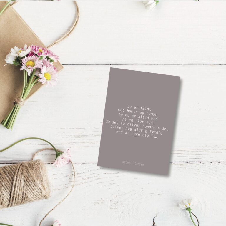 Du er fyldt med humor - farvet postkort nørgaardnørgaard